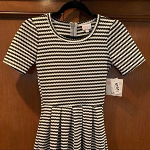 LuLaRoe XXS Amelia dress